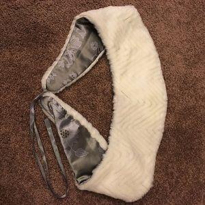 Accessories - Faux white fur mink neck shoulder wrap - scarf